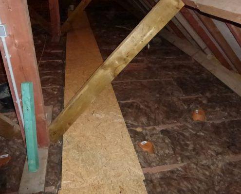 Isolatie zoldervloer onbeloopbaar met looppad