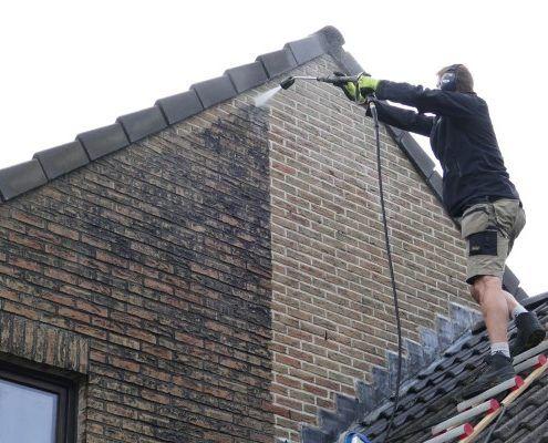 Reinigen en nabehandelen van gevel